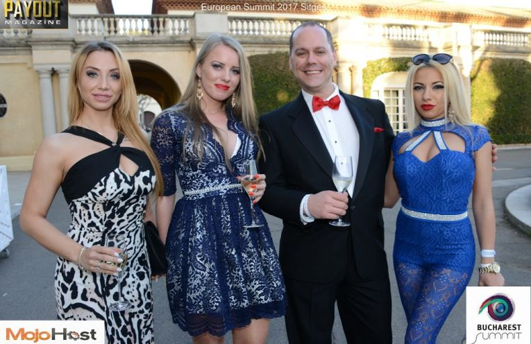 Picture of Live Cam Awards co-Host Brad Mitchel with Sexy Starlets.